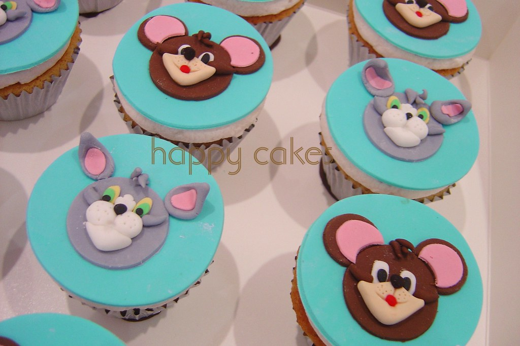 Tom Jerry cupcakes To read about this cake please visit Flickr