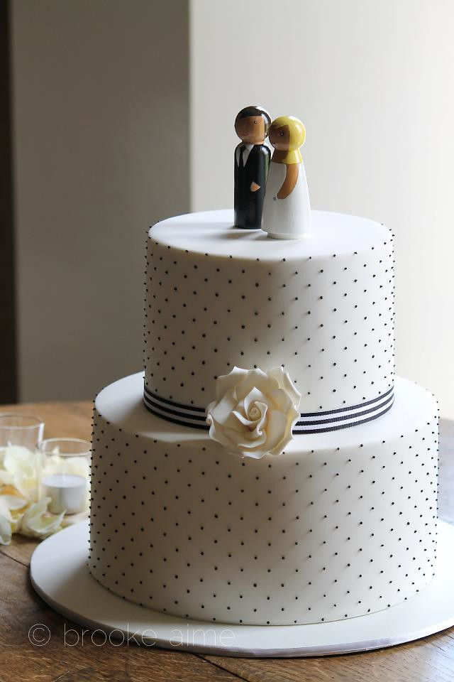wedding cake with dots black and white swiss dot wedding cake cakestyletv flickr 26869