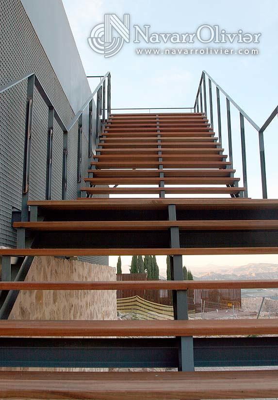 Escalera de metal y madera jatoba escalera para exterior - Escalera madera exterior ...