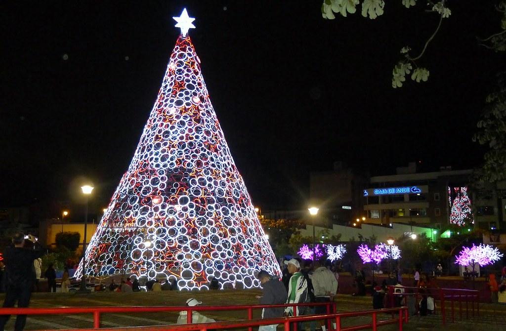 Costan Rican Christmas Ornament Craft