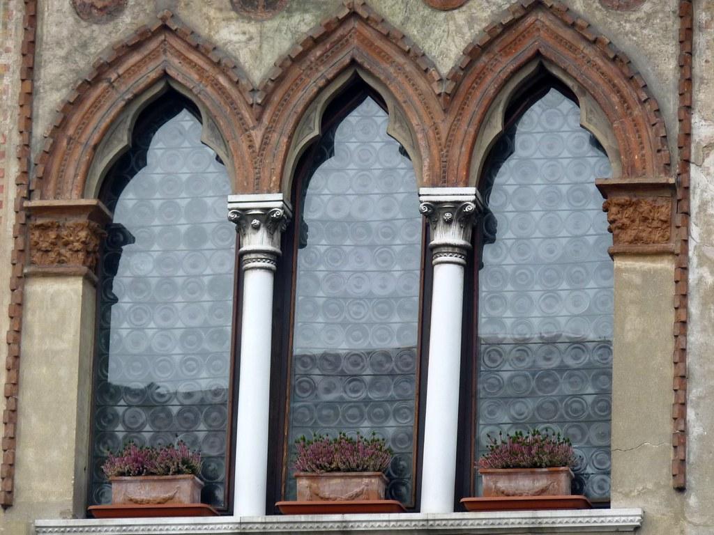 Treviso trifora medievale la trifora un tipo di finest flickr - Finestra a tre aperture ...