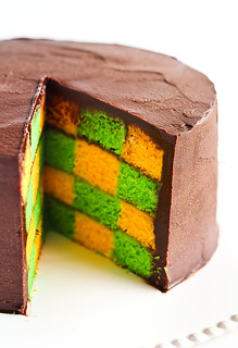 Green & Gold Checkerboard Cake with Milo Ganache | by raspberri cupcakes