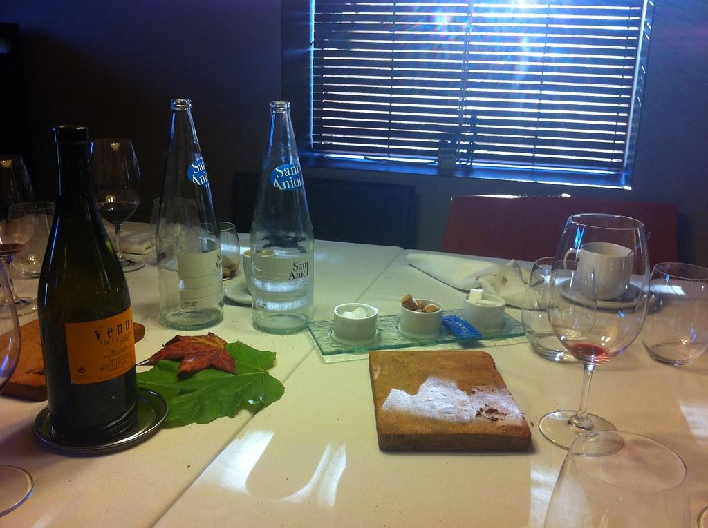 Cantonigr s ca l 39 ignasi la mesa despu s de comer flickr for Mesa de comer