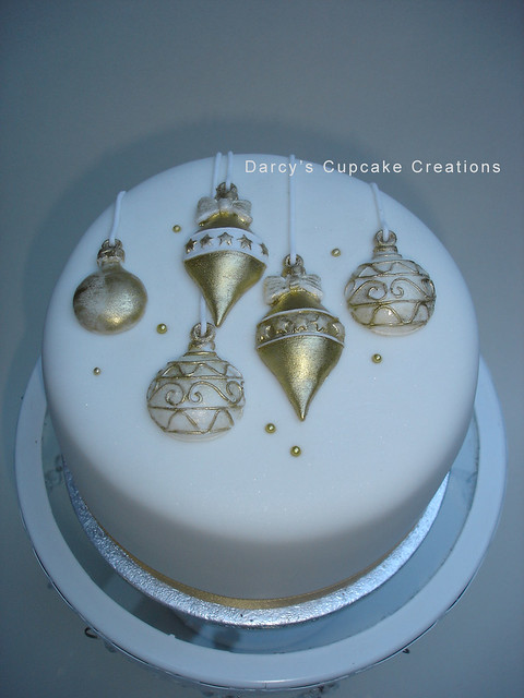 Decorating A Christmas Cake With Fondant Icing