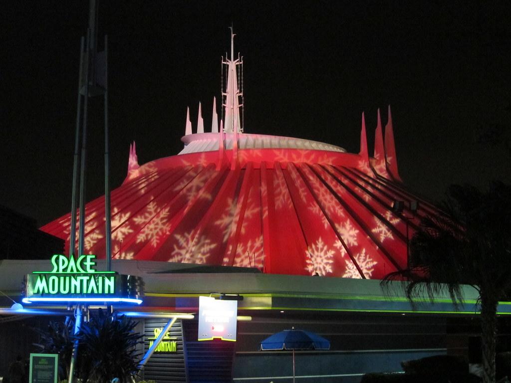 Space Mountain Disney World 0403 | Disney World, The Magic ...