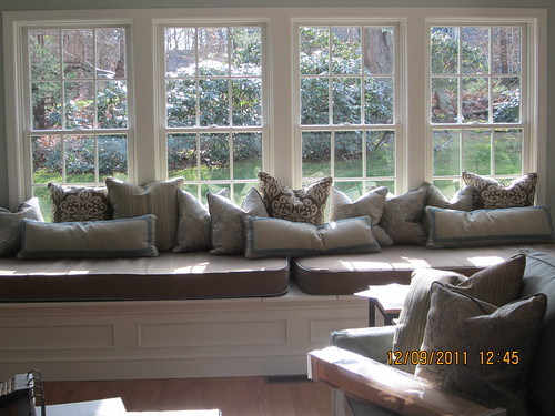 Large Bay Window Seat With Misc Pillows And Cushions