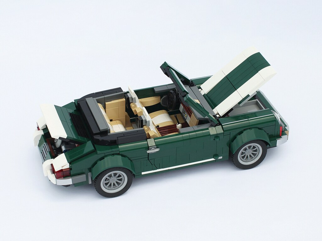 porsche an alternate model from a lego mini cooper 10242. Black Bedroom Furniture Sets. Home Design Ideas