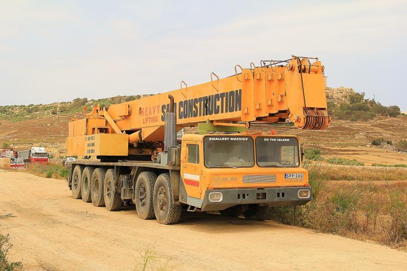 Mobile Crane Machine : Faun krupp mobile crane spp seen in gozo malta