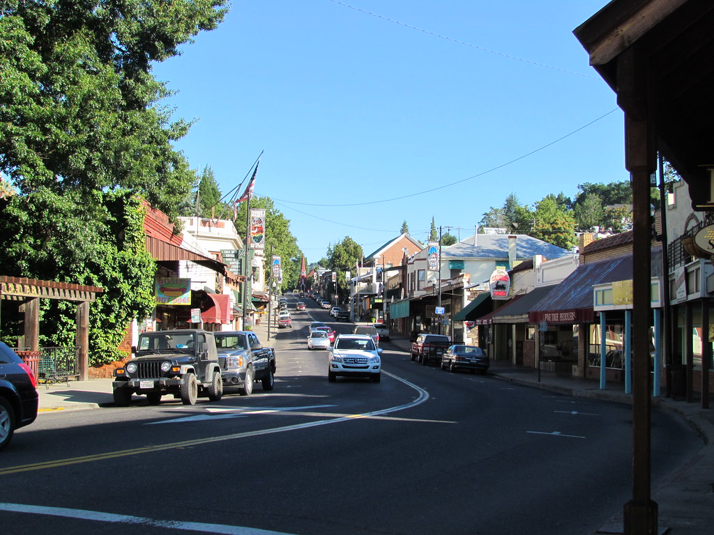 Downtown Sonora Ca 7 35 Am Sunday Morning Aug 7 2011
