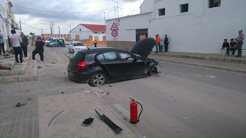 AionSur 26801060321_4b0f7b17cc_d Un coche se empotra contra una vivienda en Paradas cuando es perseguido por la Policía Local Sucesos