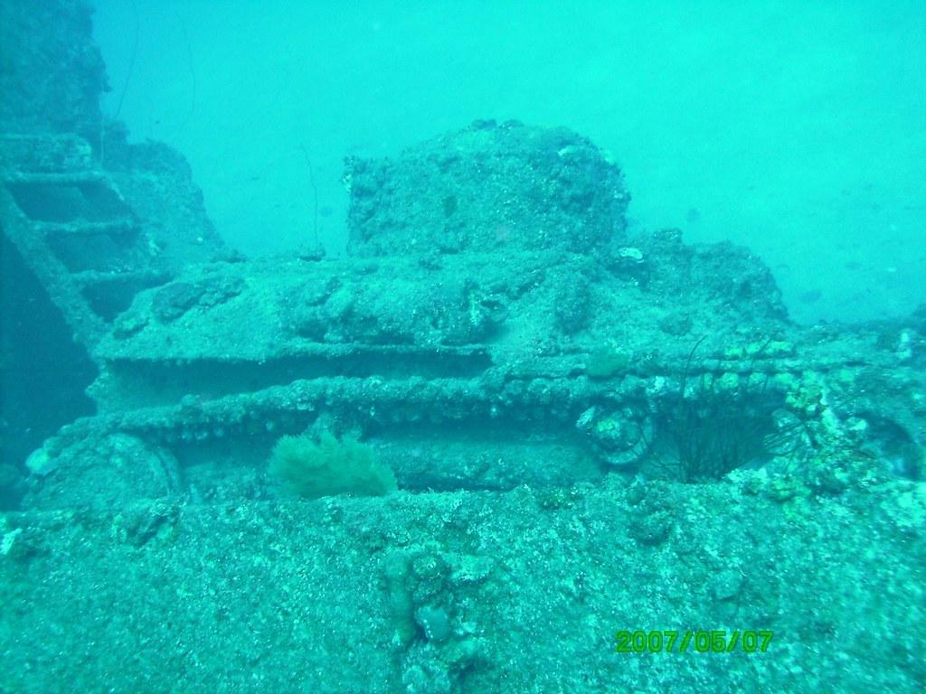 Sunken Tank | Sunken Japenese Army tank-Truk Lagoon ... Sunken Tank