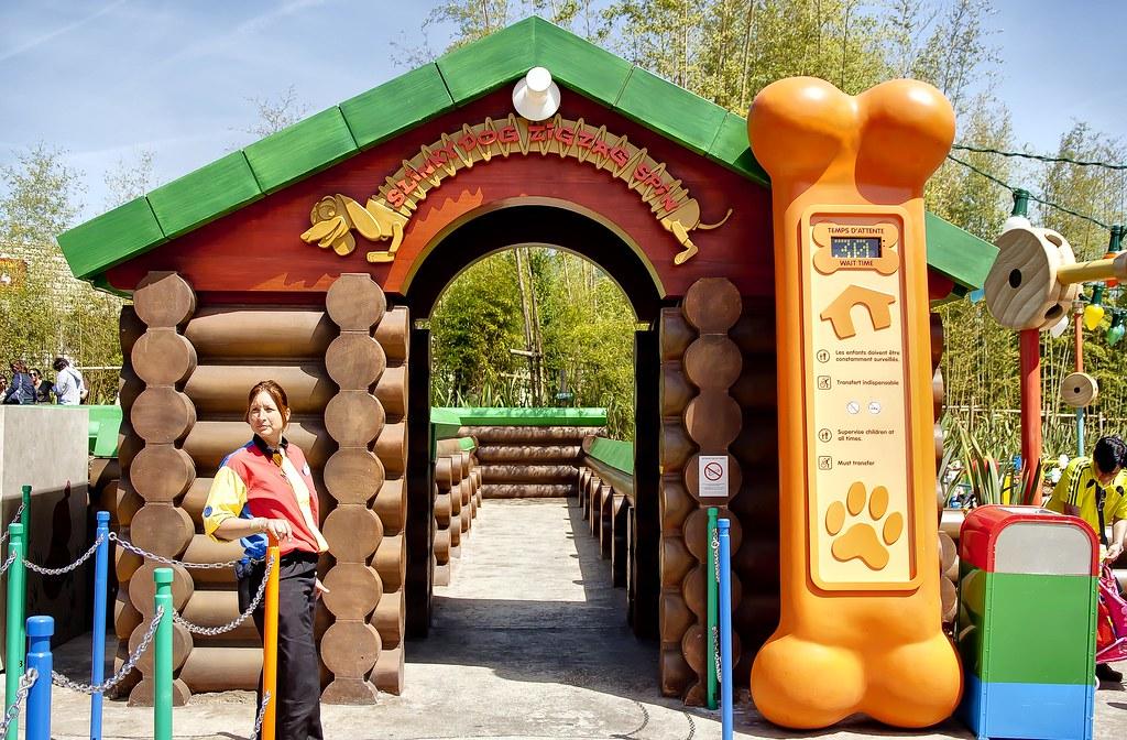 ... Dog Zigzag Spin entrance   Disneyland Paris Walt Disn…   Flickr