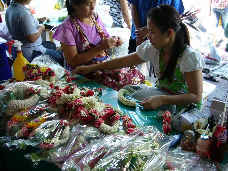 バンコク散策:パーク・クローン市場