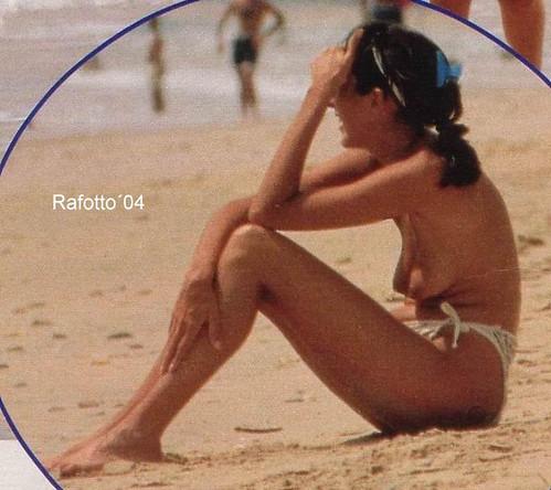Mujer desnuda sentada foto desnuda