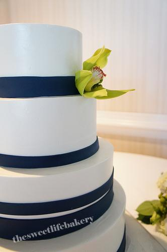 blue wedding cake images navy blue wedding cake a up sweet 12015