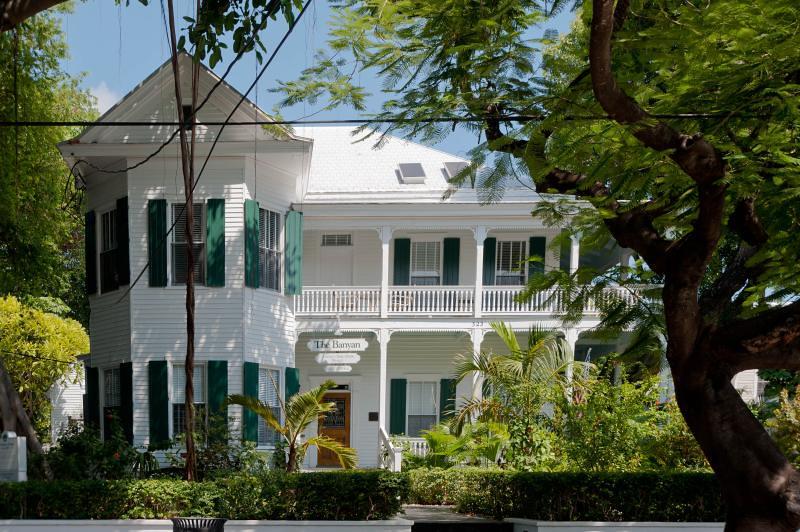 key west fl banyan resort 323 whitehead st historic. Black Bedroom Furniture Sets. Home Design Ideas