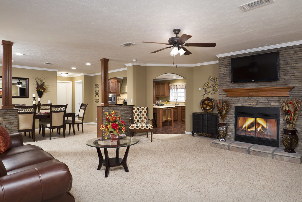 Living room manufactured home the stonebrook has 3 for Homes r us living room