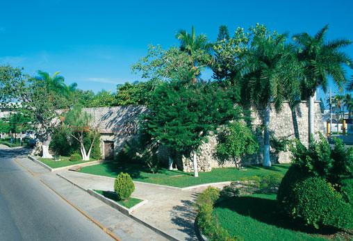 Baluarte de santiago campeche este baluarte fue el for Jardin botanico xmuch haltun