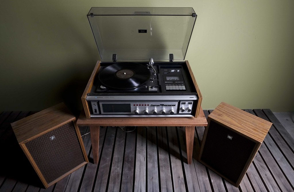 1970s Sanyo Turntable G2611 Super Music Centre A 1970s