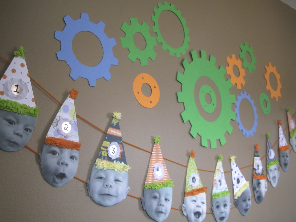 Robot party decorations twelve months of charlie flickr for R b party decorations