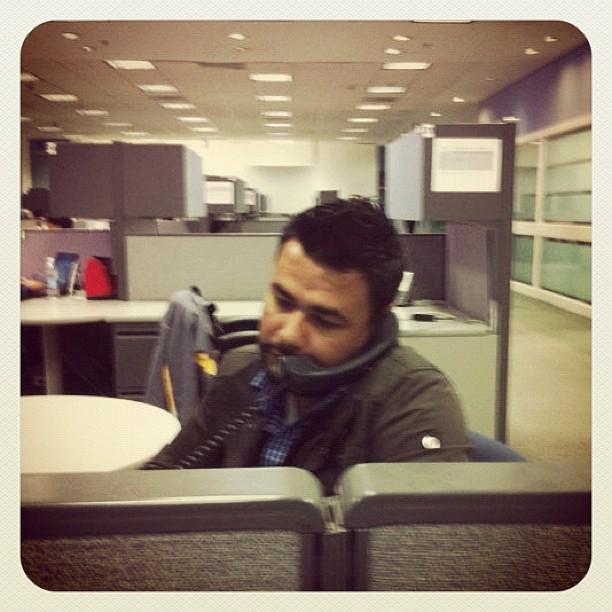 aqui casual en la oficina raul herrera flickr