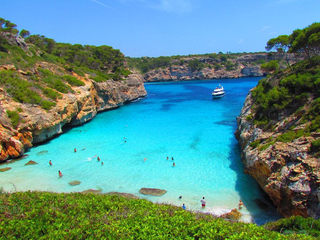 Испании острова