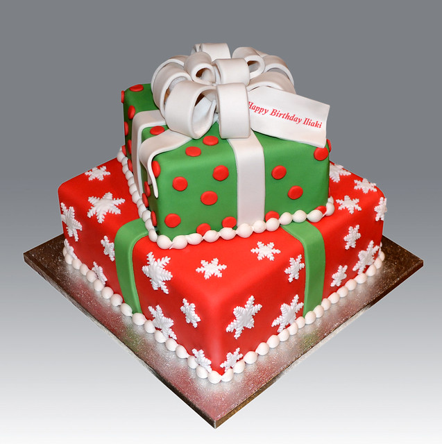 2 tier christmas gift box cake flickr photo sharing for Christmas cake gift
