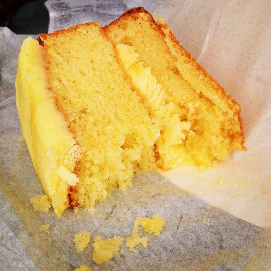 Costa Lemon Cake