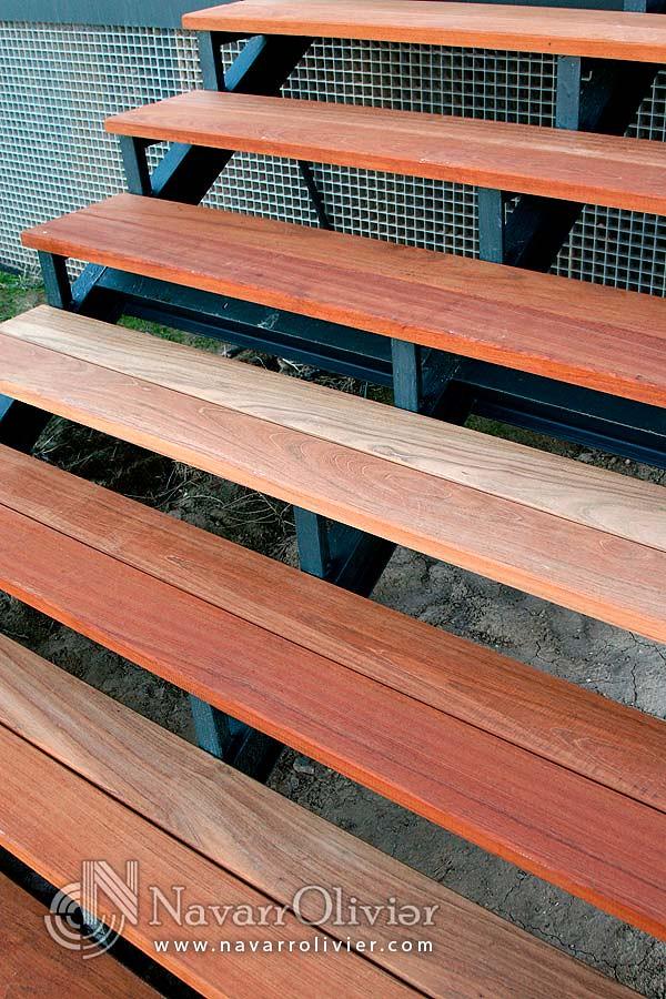 escaleras de madera para exteriores