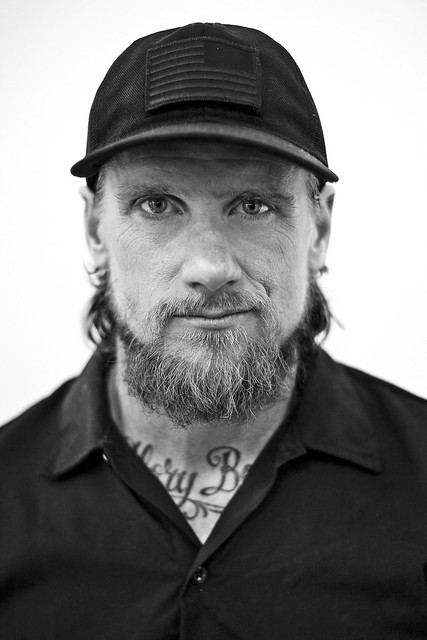 The 46-year old son of father Art Vallely and mother Mary Vallely, 175 cm tall Mike Vallely in 2017 photo
