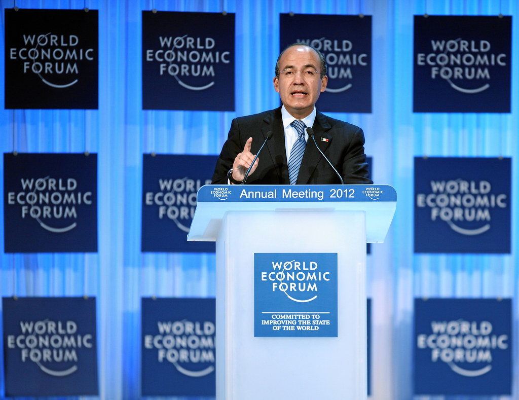 davos the world economic forum essay Game of thrones davos world economic forum the world economic forum is giving goosebumps to some 'game of thrones' fans first-person essays.