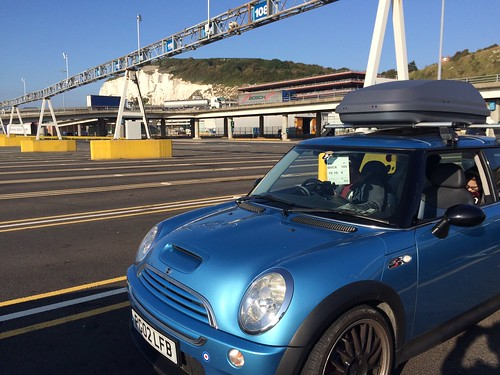 blu mini waiting at dover