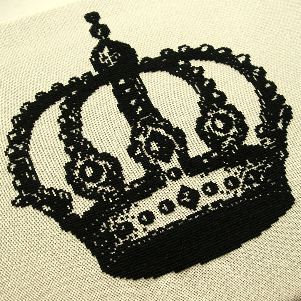 The crown cross stitch to original design black thread for Thread pool design pattern