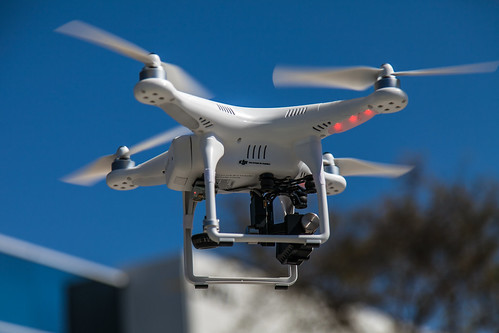"Foto ""Phantom/GoPro Camera Quadcopter Drone"" by Kevin Baird - flickr"