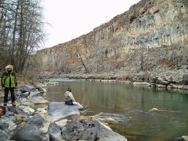 Marche le long de la rivière orkhon