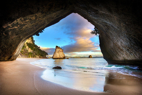 Cathedral Cove Sea Cave - Coromandel, New Zealand | by Daniel Peckham