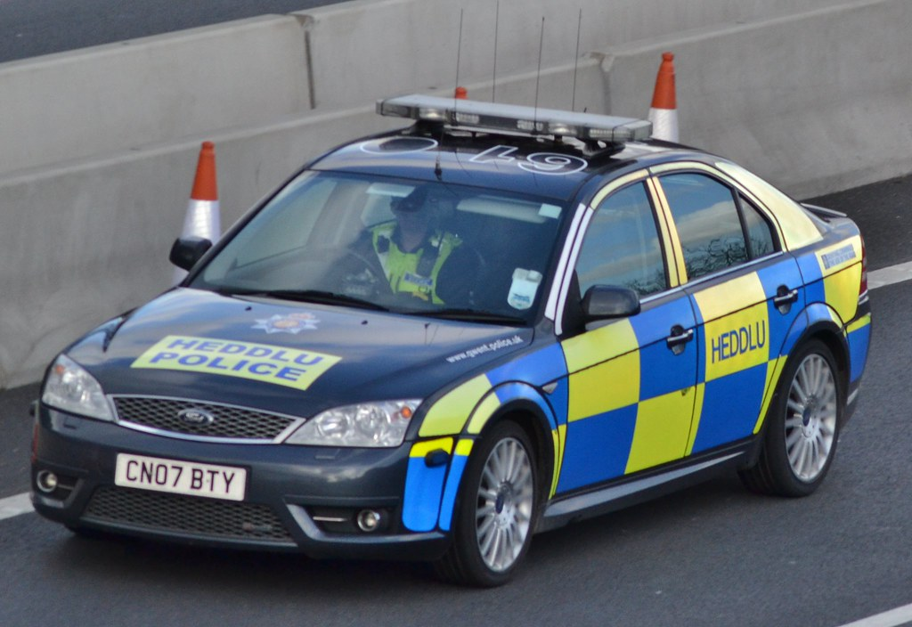 ford mondeo st220 operated by gwent police and seen on. Black Bedroom Furniture Sets. Home Design Ideas