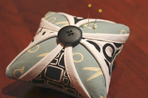 Cathedral window pin cushion | by Modern Quilting by B