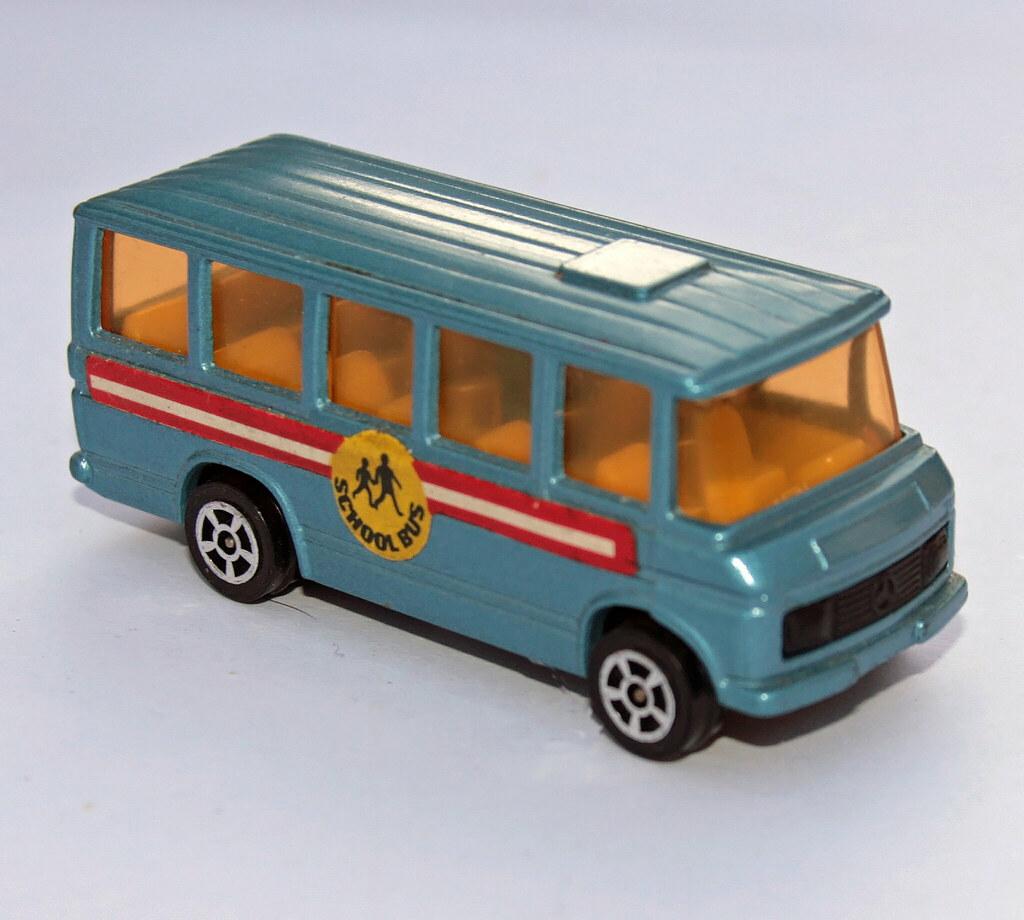 Corgi juniors mercedes benz school bus much more common for Mercedes benz school