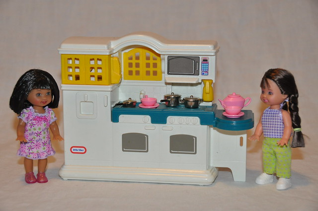 Little Tikes Kitchen Play Set From Little Tikes Doll House