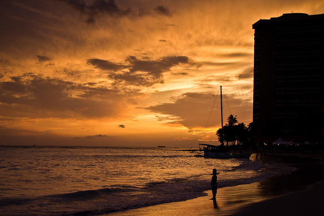 Evening light show waikiki beach flickr photo sharing for Pool light show waikiki