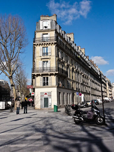 Paris Building | by Andre Navarro