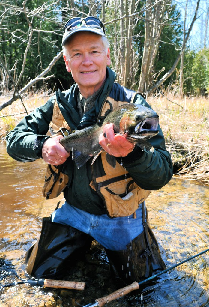 Dan with a kewaunee county steelhead dan shows off a for Kewaunee fishing report