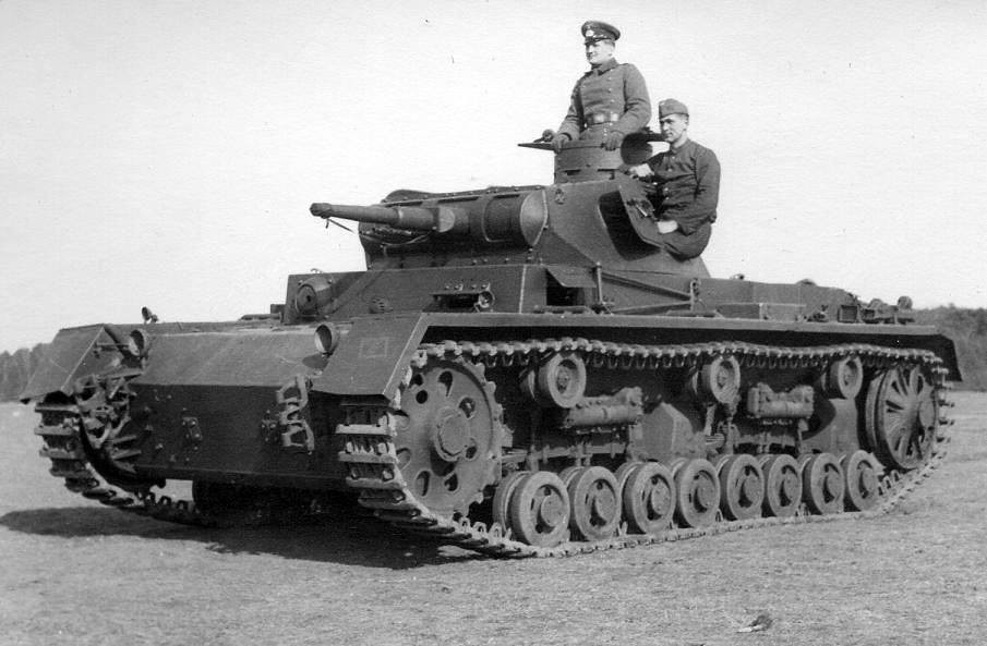 panzerkampfwagen iii ausf a b c und d development and production from 1934 to 1938 plus the leichttr