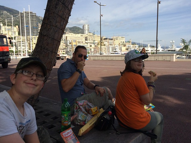 eating cheaply in monaco