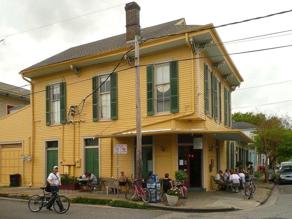 Cake New Orleans Bakery