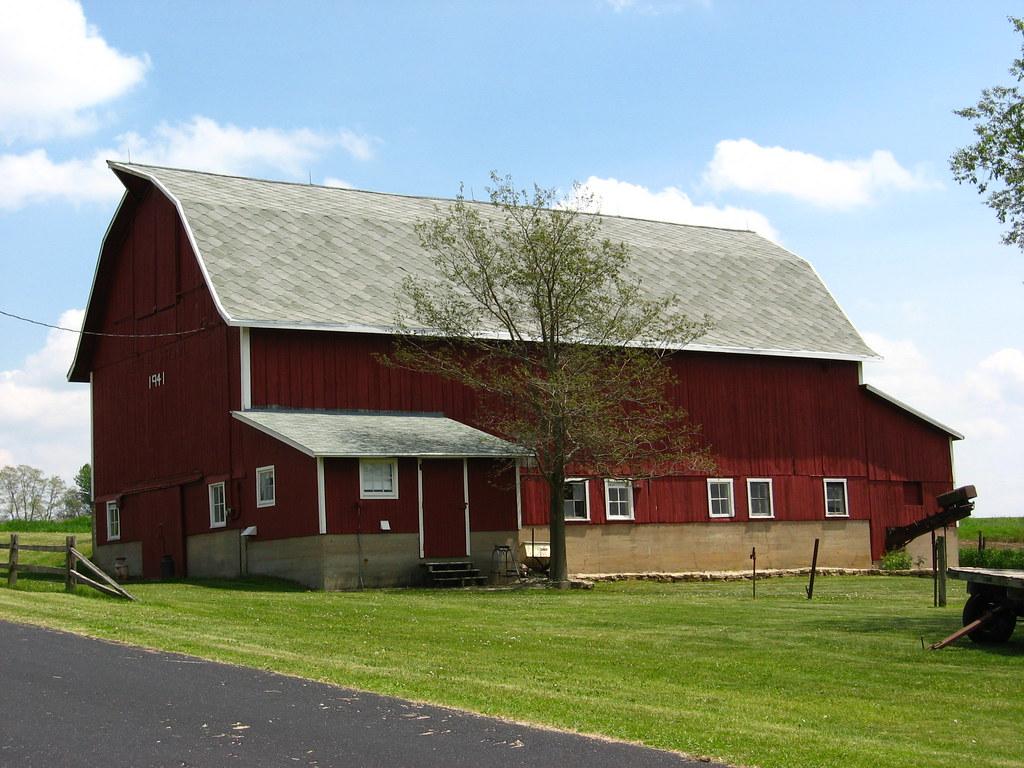 Red Dairy Barn Old Limestone Farm House On Hafeman Road