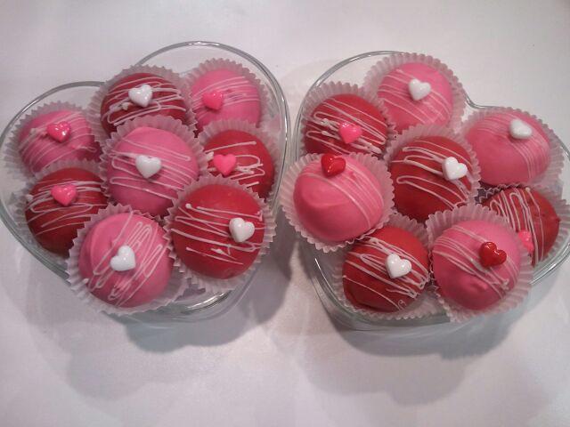 Valentine's day oreo and cake balls | carolyn Montoya | Flickr