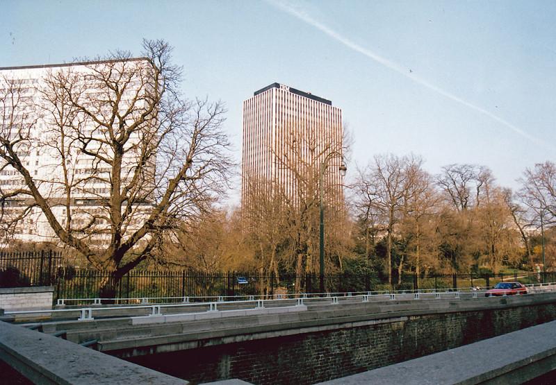 Ibm boulevard du jardin botanique bruxelas b lgica 21 for Boulevard jardin botanique