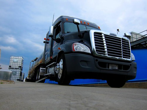 Freightliner Cascadia | by raymondclarkeimages